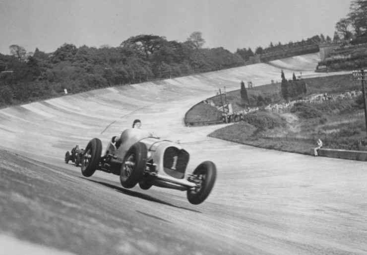 John-Cobb-in-the-24-litre-Napier-Railton-taking-the-bump-on-the-Members-Banking-1935-2