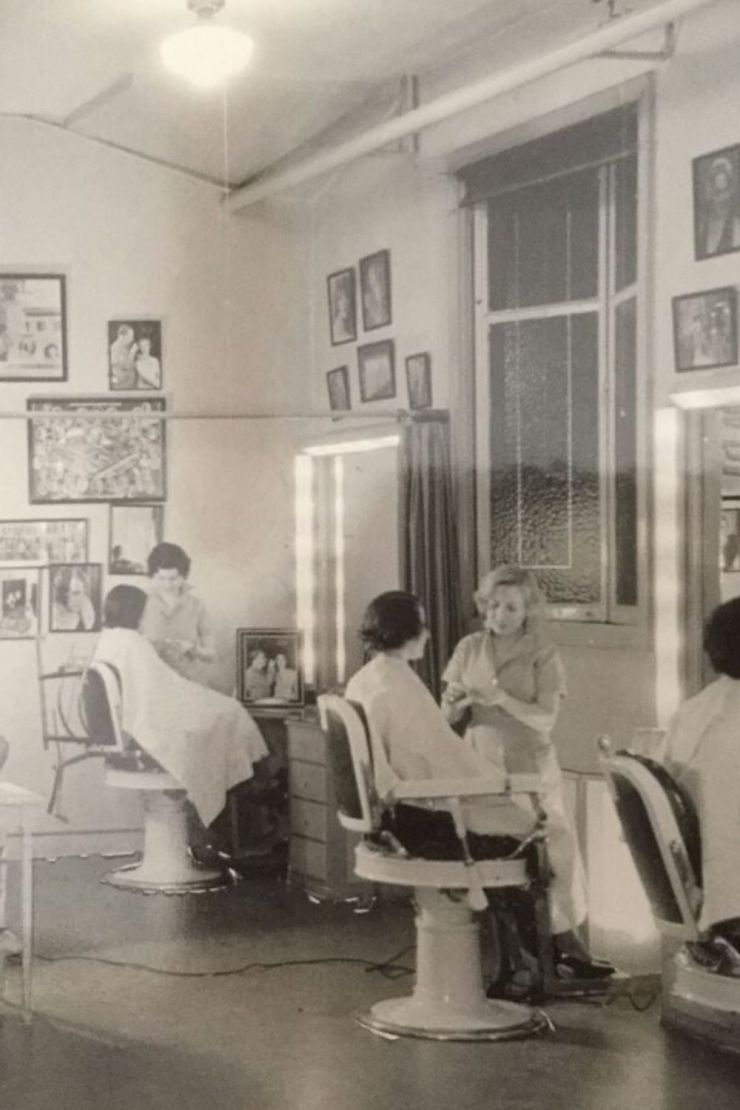 MAX FACTOR SALON CIRCA 1930S